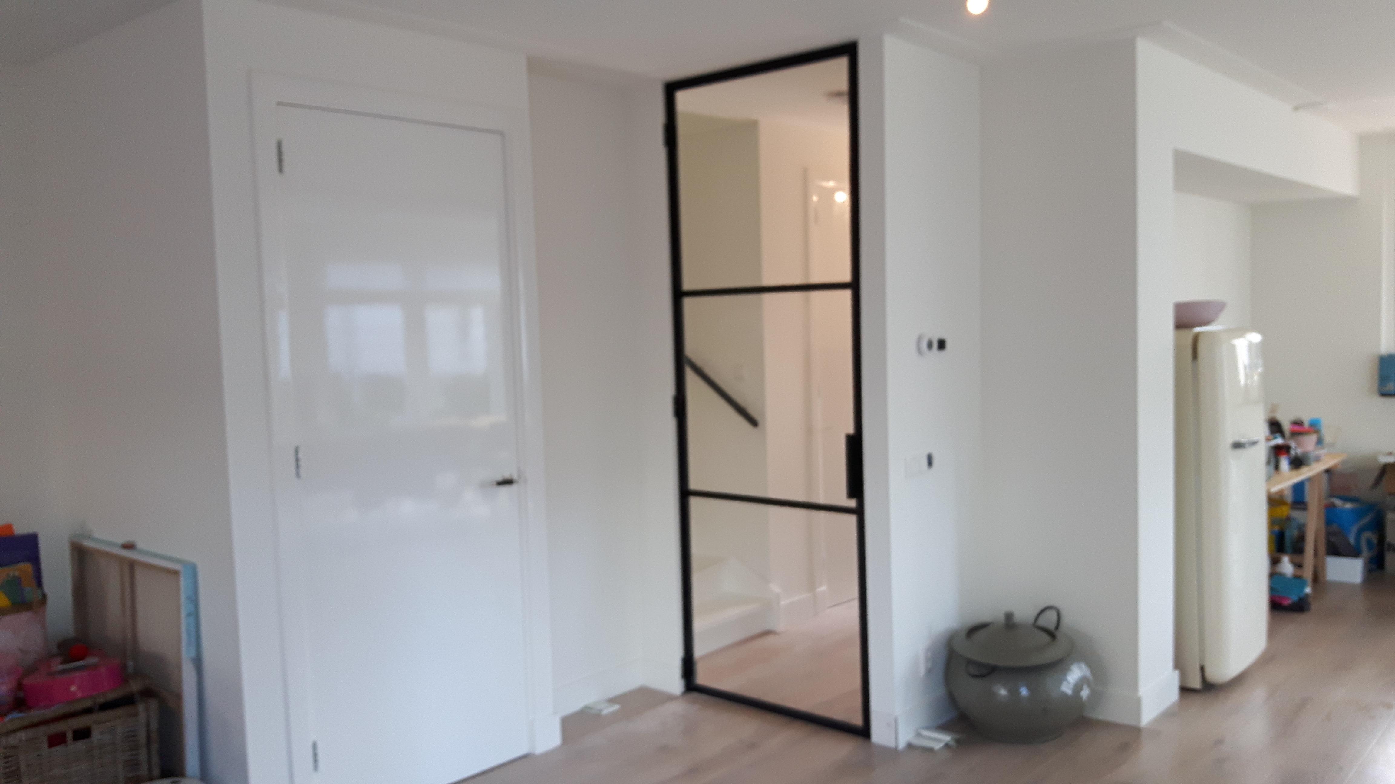 Stalen deur (scharnier) met kozijn 3 vlakken - Zandvoort | Mijn ...