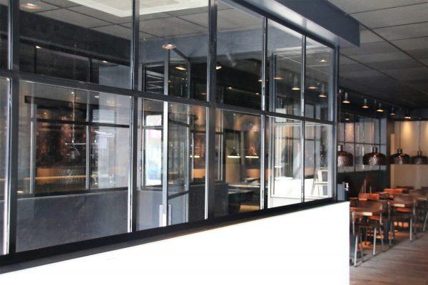 Stalen deur met zijpanelen – Zevenhuizen