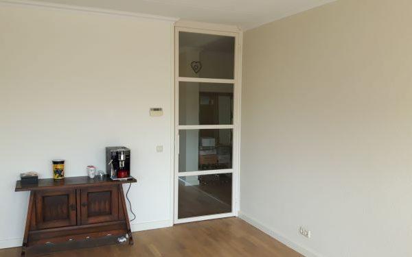 Witte stalen deur – Soest