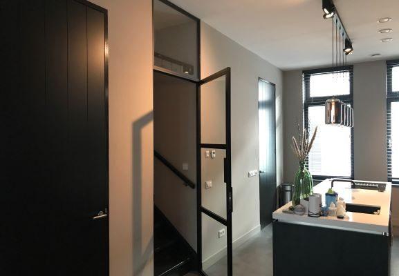 Stalen deur met bovenlicht – Den Bosch